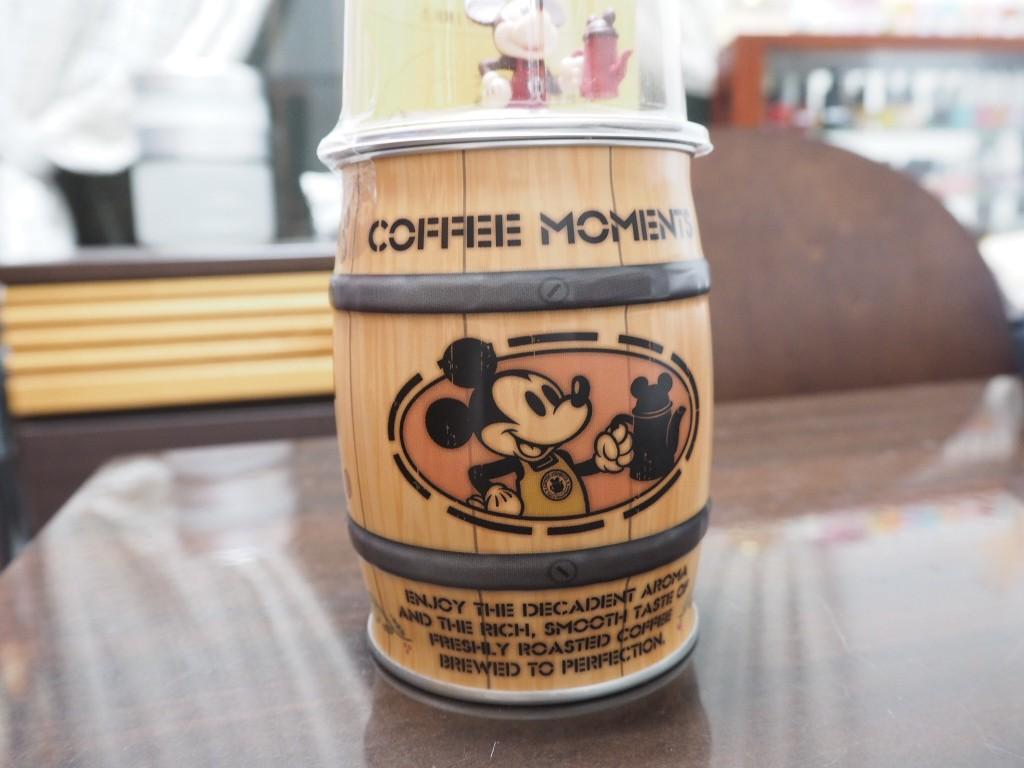 小洒落た缶ですが、上に何か…