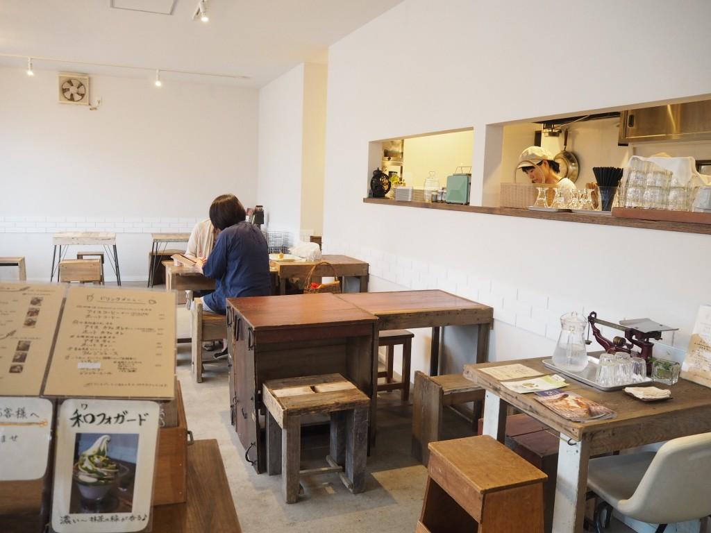 広いカフェスペース