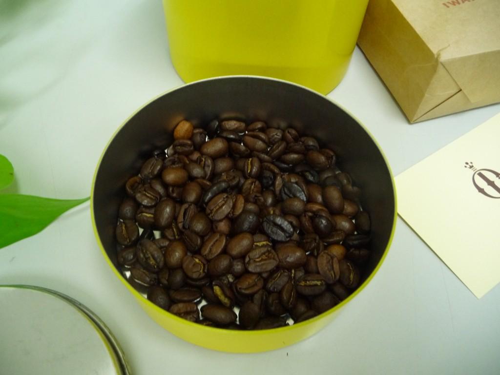 中煎りと中浅煎りの豆のブレンド